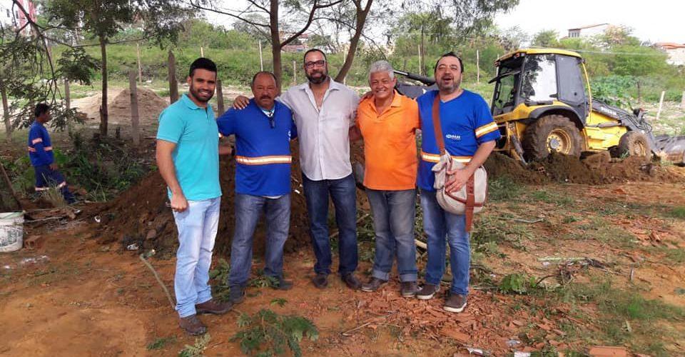 Prefeitura e SAAE atendem reivindicação de morador e inicia extensão de rede de esgoto no bairro Quintas do Morumbi