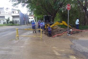 URGENTE!! REDE QUEBRADA PROVOCA FALTA D'ÁGUA NAS VILAS