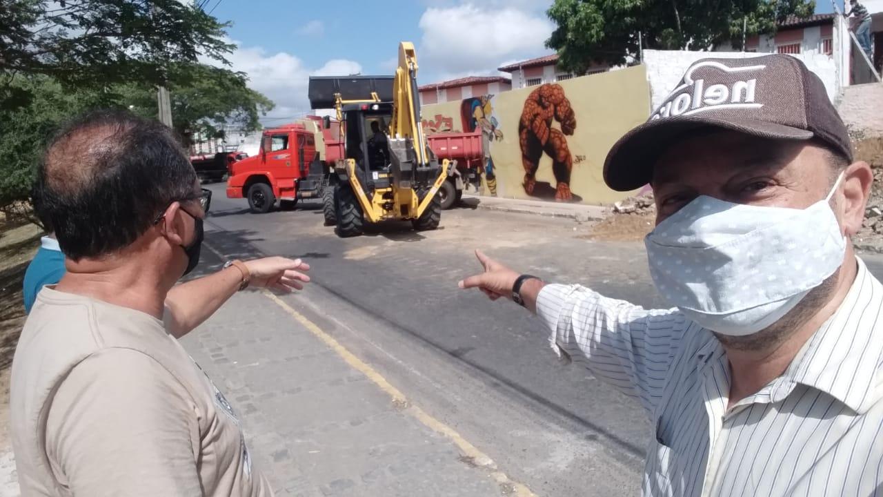 SAAE INICIA OBRAS DE DESVIO DE REDE DE ÁGUA QUE PASSA POR BAIXO DA ESCOLA ANÍSIO TEIXEIRA (SEMÍRAMES ANDRADE)